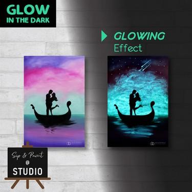 3-glow-in-the-dark-art-and-wine-art-bonding-team-building