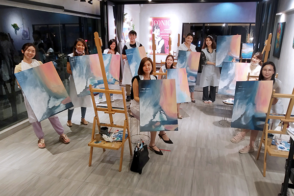 art-and-bonding-art-and-wine-team-building-big-canvas-kl-wine