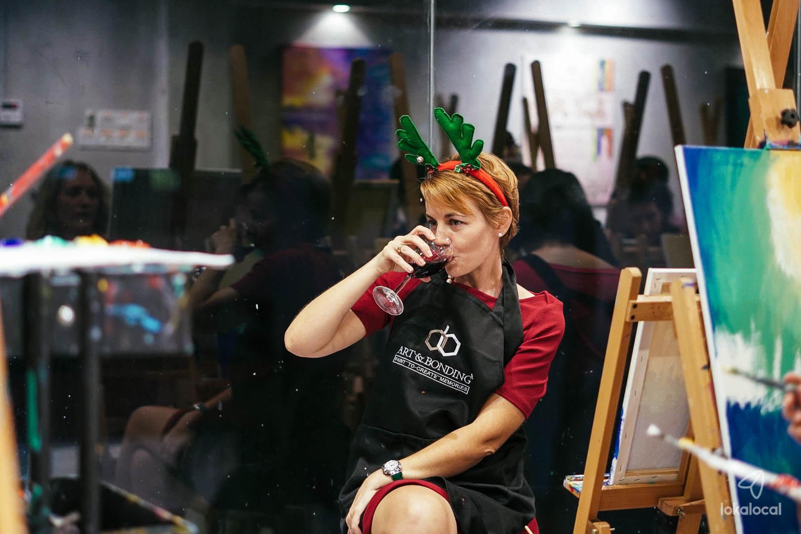 xmas-wine-and-art-bonding-christmas-activity-nightlife-in-kuala-lumpur-sip-and-paint-my-kl